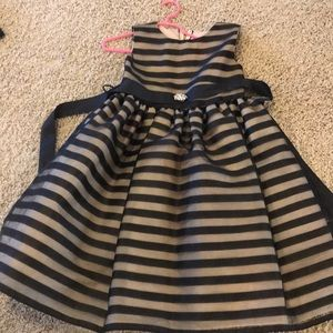 Girls size 7/8 Crayon Kids formal dress